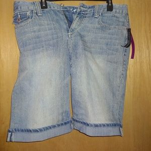 New women's INC shorts size 14